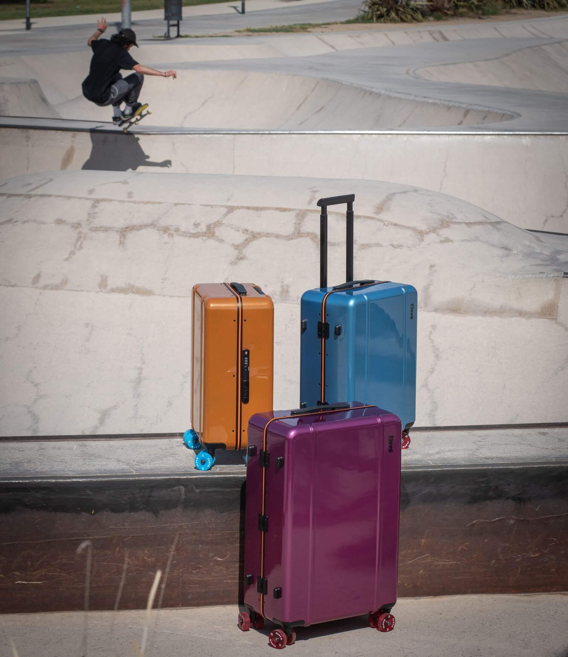 imagen de una maleta de cabina de Floyd con asidera, que vendemos en Pilma Travel como distribuidor de  maletas de Floyd en España